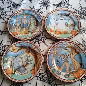 """Set of 4 spooky town 8"""" Halloween plates"""